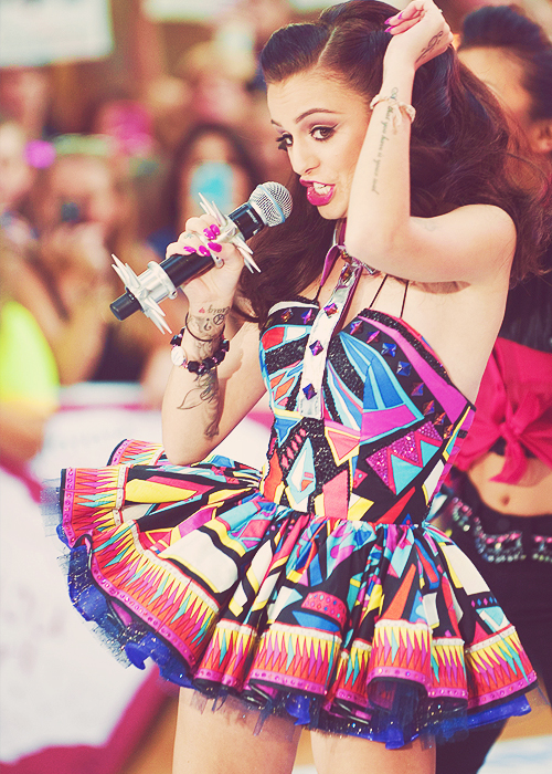 Cher Lloyd goes platinum in the USA